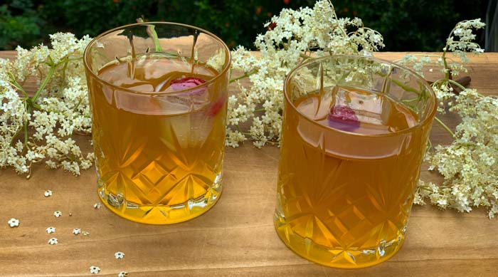 Recipe: Elderflower kombucha thumbnail